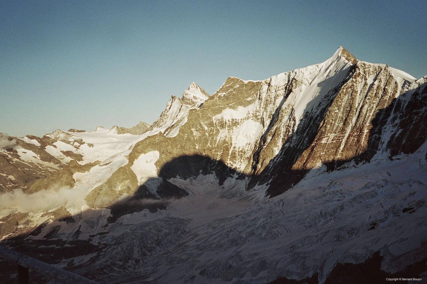 Eiger shape at sunshine & Chumacraju - Road Book - Switzerland - Eiger Mittellegi ridge route