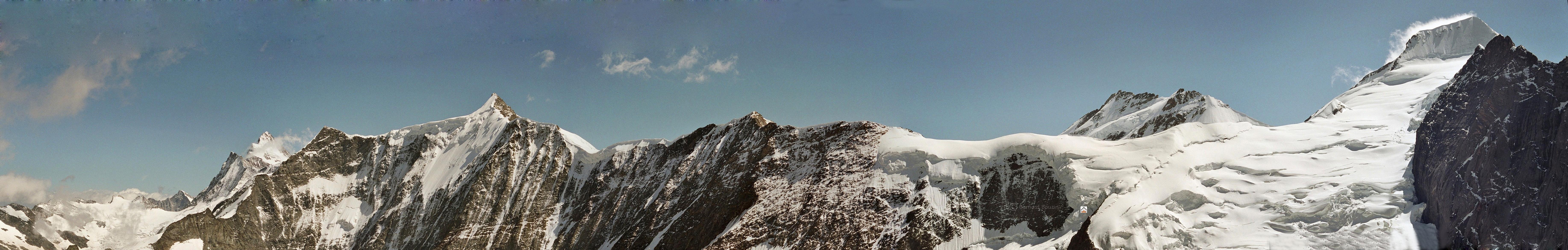 Panoramic view from Mittellegi refuge & Chumacraju - Road Book - Switzerland - Eiger Mittellegi ridge route